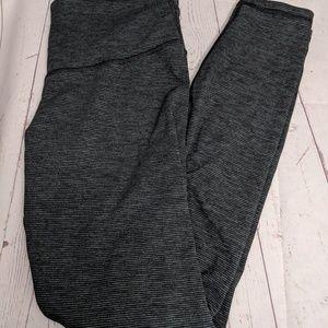 Old Navy leggings large gray/ black